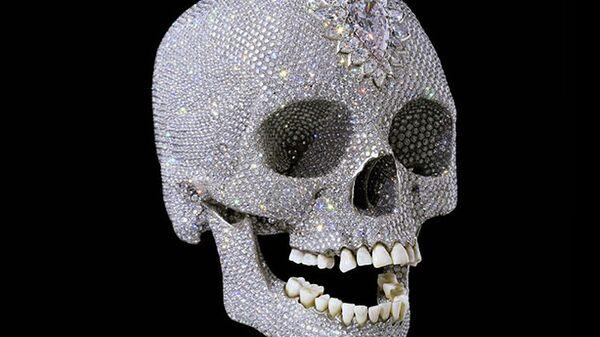 Дэмиен Херст Ради любви к Богу - платиновый череп с бриллиантами