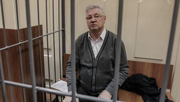 Избрание меры пресечения мэру Астрахани М.Столярову в Басманном суде, фото с места события