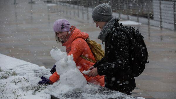 Снеговик, архивное фото