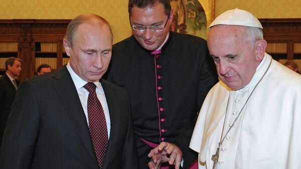 Переводчик папы на встречах с Путиным и патриархом стал послом на Украине