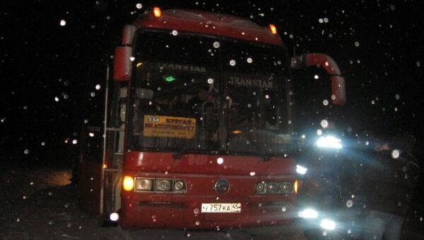Последствия стрельбы по рейсовому автобусу на Урале