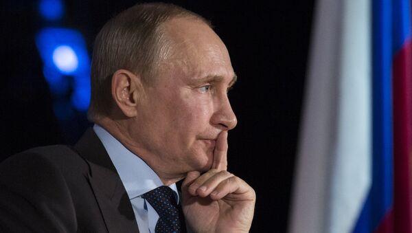 В.Путин посетил юридический факультет МГУ им. Ломоносова. Фото с места события