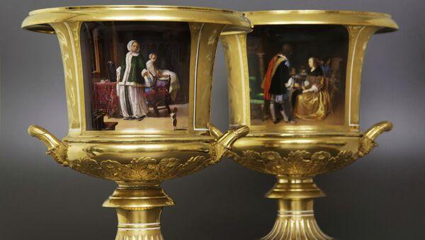 Фарфоровые вазы Императорского фарфорового завода, которые Николай I подарил своей невестке великой княгине Елене Павловне на Рождество 1849 года
