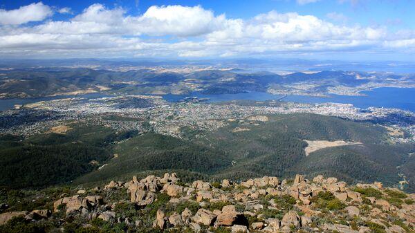 Вид на Хобарт с вершины горы Веллингтон