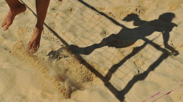 Пляжный волейбол. Архивное фото.