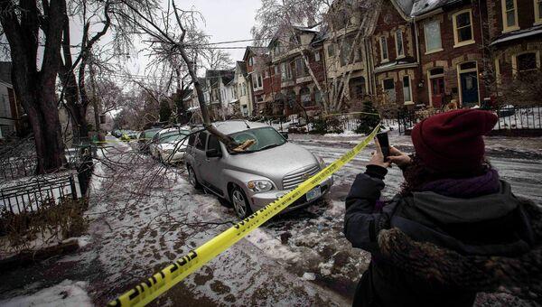 Мощный шторм принес ледяные дожди в восточную часть Канады