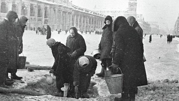 Зимой в блокаду на Невском