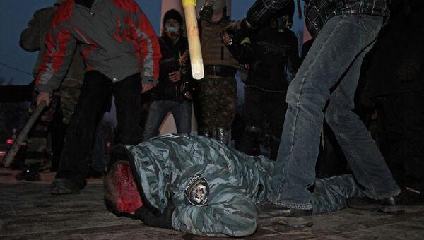 Противостояние между оппозицией и правоохранительными органами в Киеве, фото с места событий