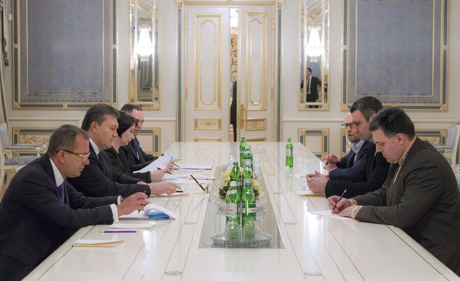 Встреча Виктора Януковича с лидерами оппозиционных парламентских фракций