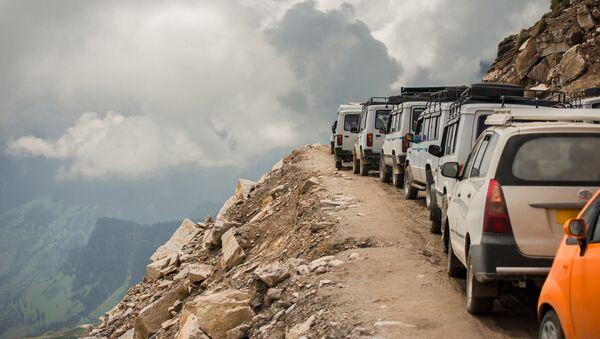 Автомобильная дорога в Индии. Архивное фото