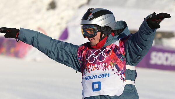 Алексей Соболев (Россия) в финале слоупстайла на соревнованиях по сноуборду среди мужчин на XXII зимних Олимпийских играх в Сочи