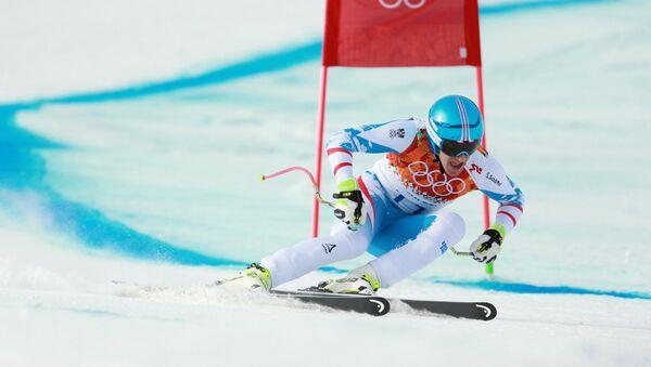 Маттиас Майер (Австрия) на трассе скоростного спуска в соревнованиях по горнолыжному спорту среди мужчин на XXII зимних Олимпийских играх в Сочи.