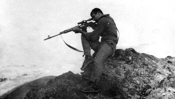 Военный во время службы в Афганистане, архивное фото