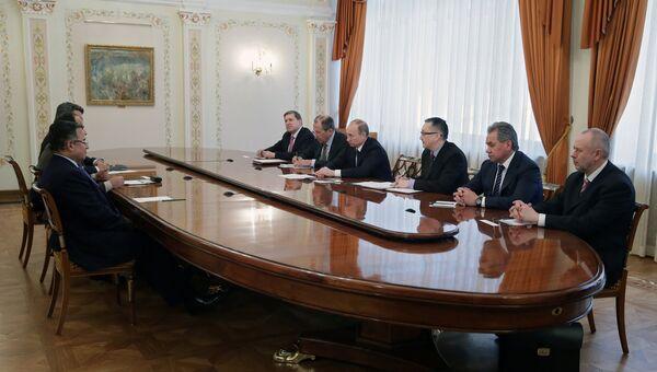 В.Путин провел встречу с Н.Фахми и А.Ф.ас-Сиси