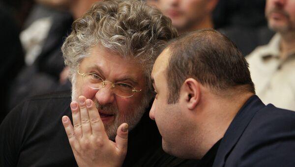 Бизнесмен Игорь Коломойский (слева), архивное фото