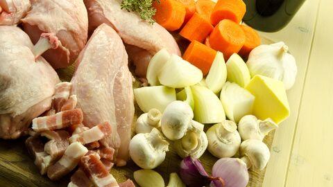 Ингредиенты для приготовления блюда Петух в вине
