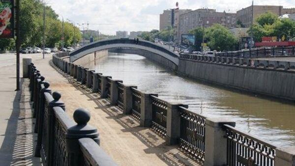Тессинский мост в Москве