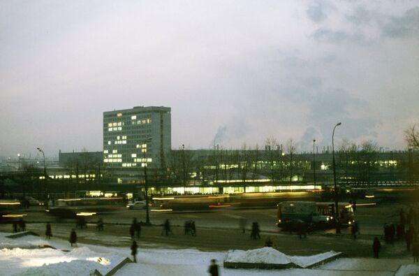 Автомобильный завод имени Ленинского комсомола (АЗЛК)