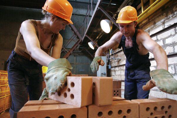 На кирпичном заводе