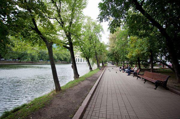 Чистопрудный бульвар в Москве