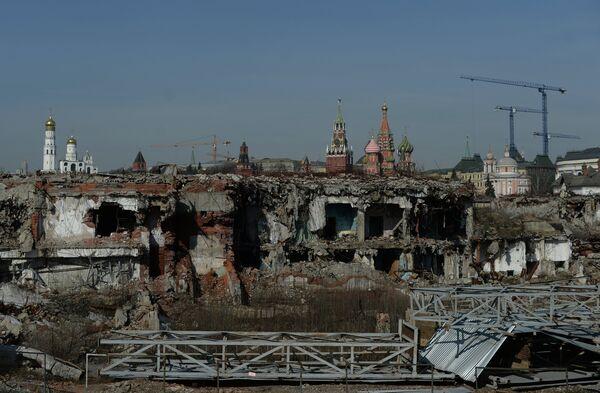 Пустырь на месте гостиницы Россия