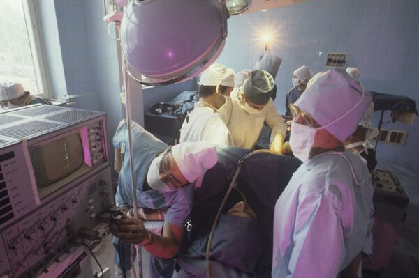 Городская клиническая больница, операция