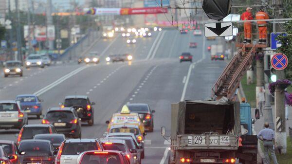 Установка знаков на выделенной полосе дорожного движения для общественного транспорта на Щелковском шоссе