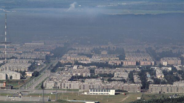 В Южно-Сахалинске локализовали крупный пожар на крыше дома