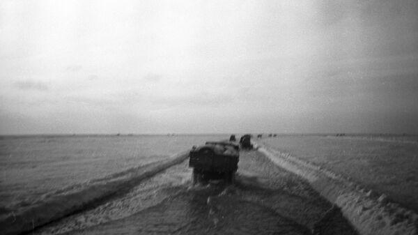 Дорога жизни через Ладожское озеро