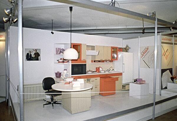 Международная выставка Дизайн - 85. Экспозиция СССР. Кухонный комплект Даша