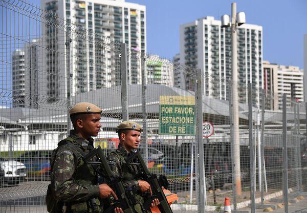 Военнослужащие в Олимпийской деревне в Рио-де-Жанейро