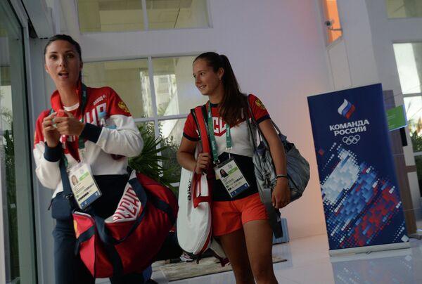 Российские теннисистки Анастасия Мыскина и Дарья Касаткина (справа)