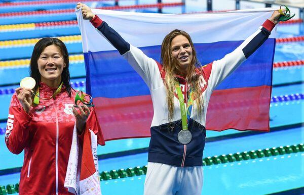 Юлия Ефимова и Риэ Канэто (справа налево)