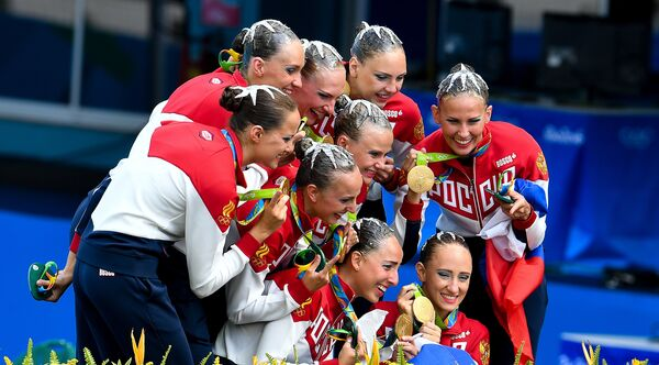 Синхронистки сборной России, завоевавшие золотые медали  на Олимпийских играх в Рио-де-Жанейро