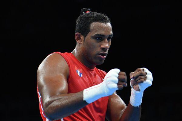 Кубинский боксер Арлен Лопес