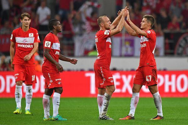 Игроки ФК Спартак Роман Зобнин, Денис Глушаков, Лукас Фернандо и Илья Кутепов (справа налево)
