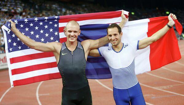 Рено Лавиллени (справа) и Сэм Кендрикс
