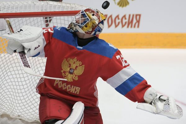 Вратарь сборной России Сергей Бобровский
