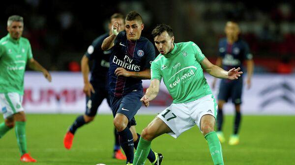 Игровой момент матча Пари Сен-Жермен - Сент-Этьен
