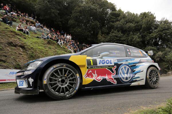 Французский гонщик Себастьян Ожье (Volkswagen)