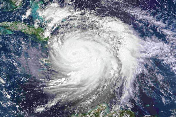 Вид на ураган Мэтью из космоса