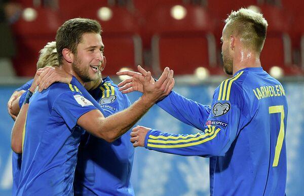 Футболисты сборной Украины Артем Кравец и Андрей Ярмоленко (слева направо)