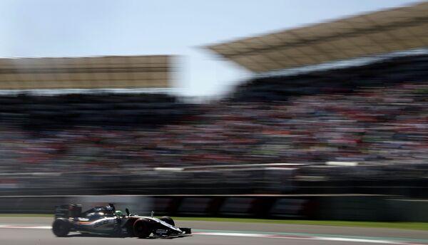 Пилот Форс Индии Нико Хюлькенберг на дистанции Гран-при Мексики