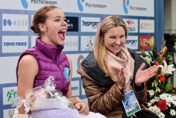 Тренер Анна Царева (справа) и Анна Погорилая