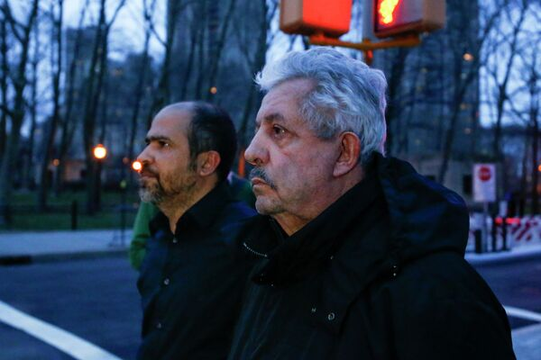Бывший глава Федерации футбола Венесуэлы и бывший вице-президент Южноамериканской конфедерации футбола (КОНМЕБОЛ) Рафаэль Эскивель (справа)