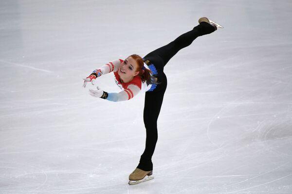 Российская фигуристка Алена Леонова