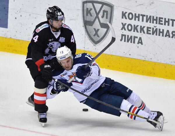 Кирилл Кольцов (слева) и Владислав Калетник