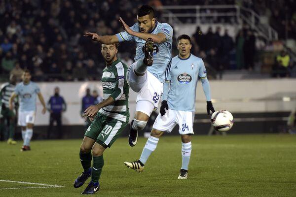 Игровой момент матча Сельта - Панатинаикос