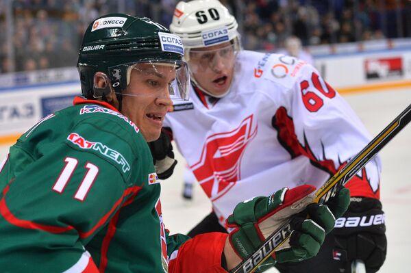 Михаил Жуков (на первом плане)