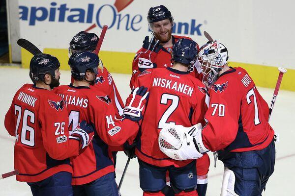 Хоккеисты клуба НХЛ Вашингтон Кэпиталз